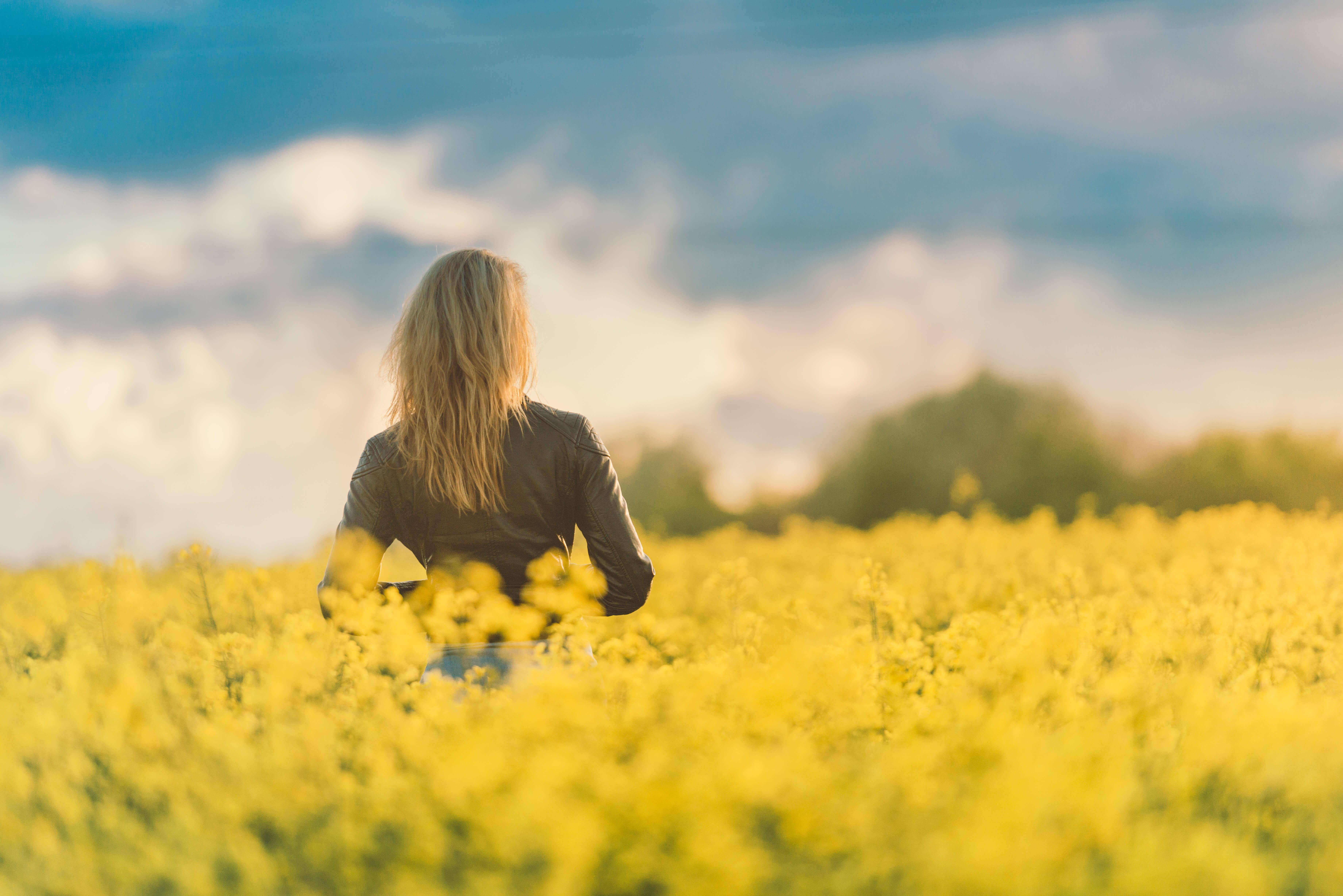 woman-in-field