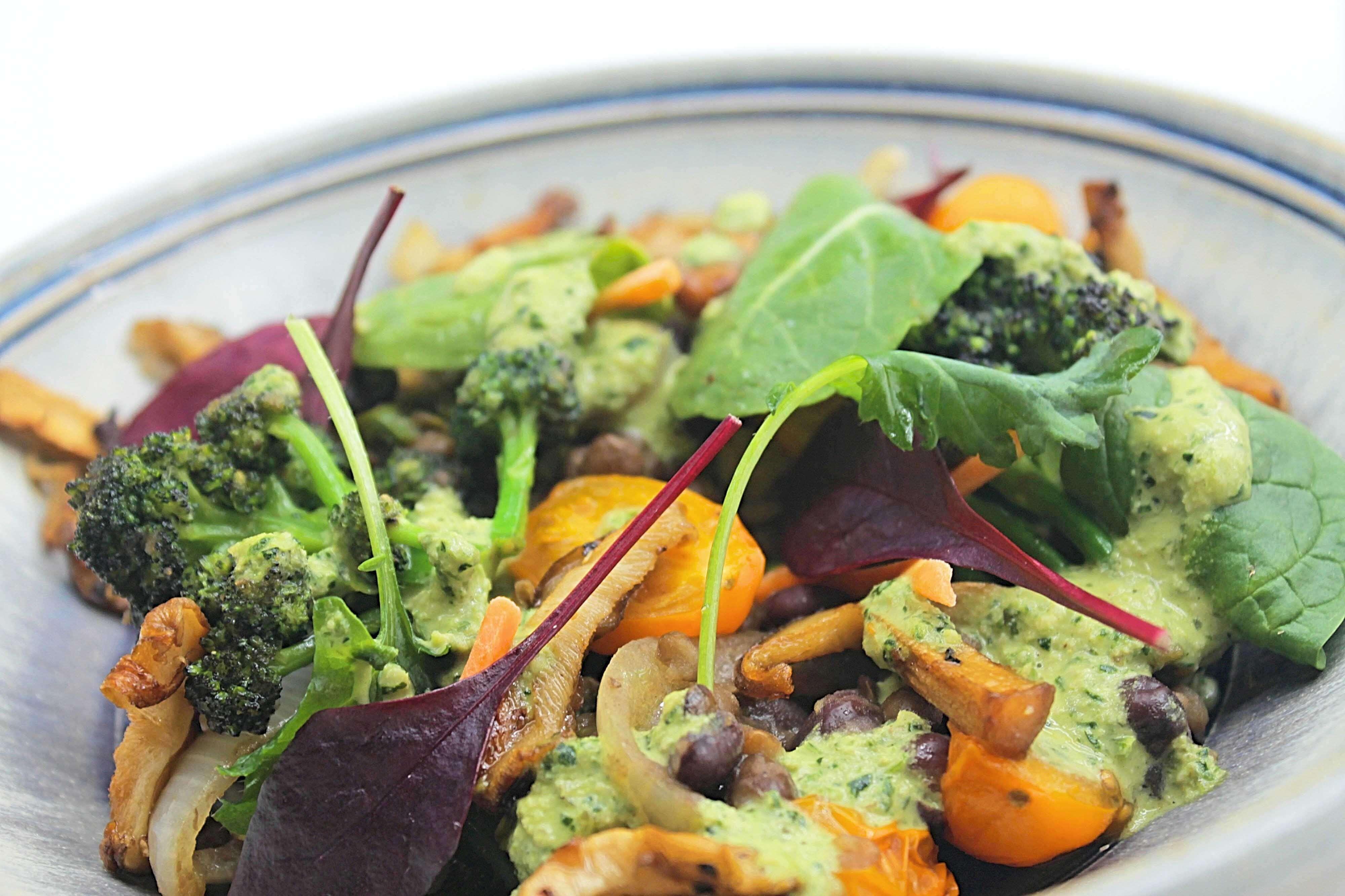 CBD Oil Superfood Salad - Valentine's Day CBD Recipe - Endoca